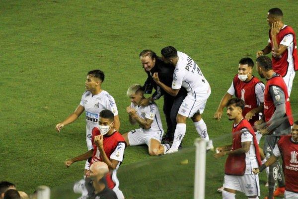 Santos vence o Boca