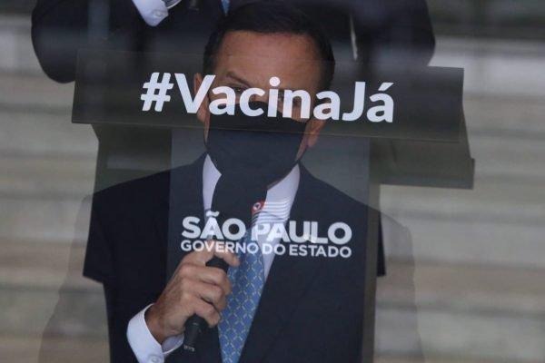 O governador de São Paulo João Doria, em coletiva sobre as restrições contra o coronavírus no estado.