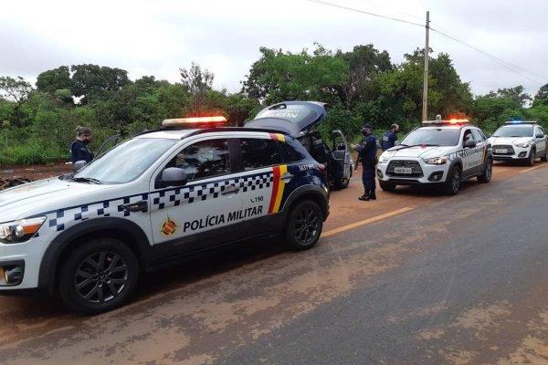 PMDF flagra homem em prisão domiciliar com arma e droga