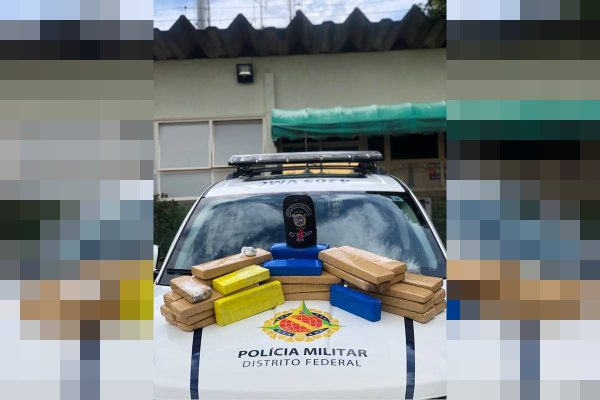 PMDF encontra 32 quilos de maconha escondidos debaixo de cama