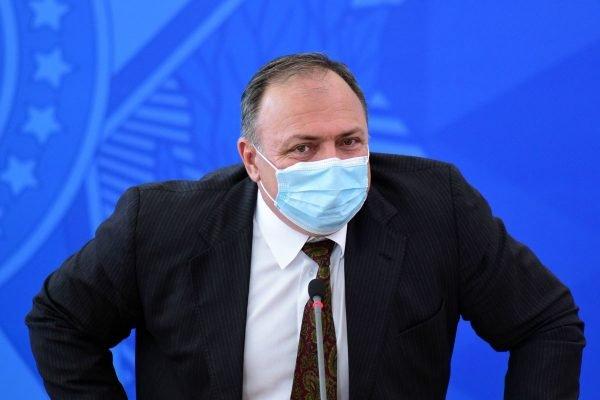 Ministro da saúde Eduardo Pazuello em coletiva de imprensa