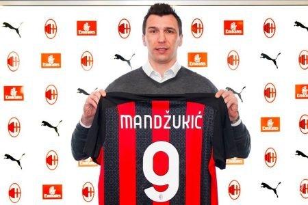 Mario Mandzukic é o novo reforço para o ataque do Milan