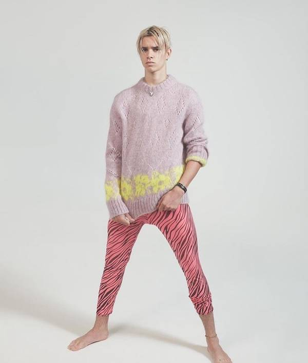 Romeo Beckham em ensaio para a revista L'Uomo Vogue