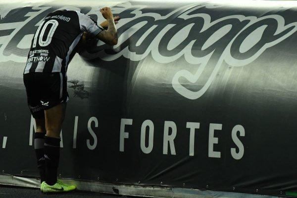 Botafogo perde para o Atlético-GO