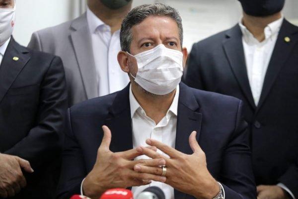O deputado Federal e candidato à presidência da Câmara Arthur Lira (PP), durante coletiva de imprensa na Associação Comercial de São Paulo, na região central, nesta tarde de quinta-feira (21). Foto: Fábio Vieira/Metrópoles