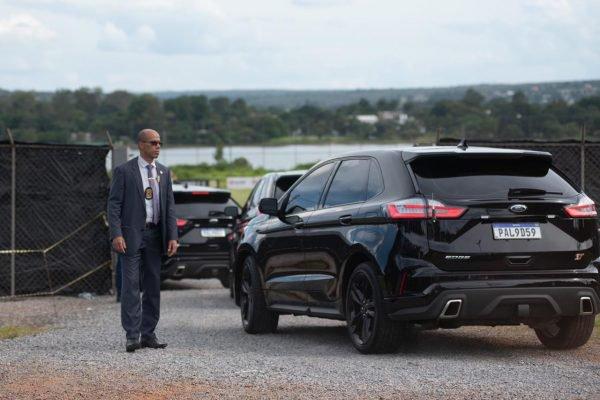 Presidente Jair Messias Bolsonaro, chega ao centro de treinamento do Brasiliense futebol clube, para assistir ao treino do Flamengo