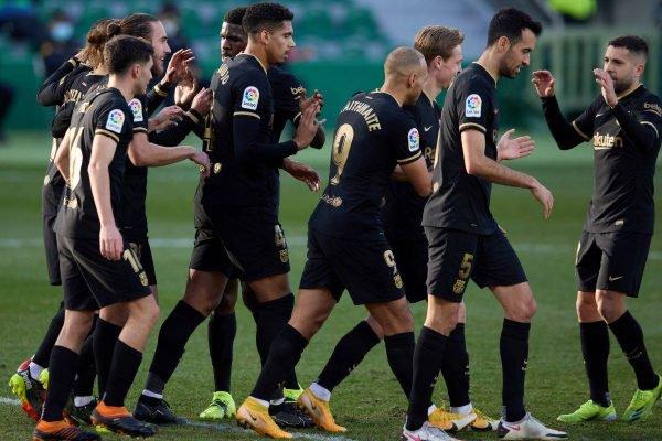 Barcelona vence o Elche
