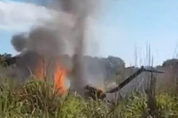 Avião do Palmas em chamas
