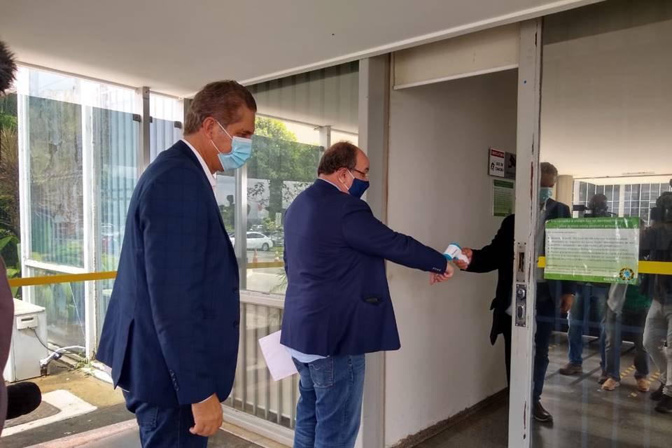 Rogério Rosso e Fernando Marques chegam ao Ministério da Saúde