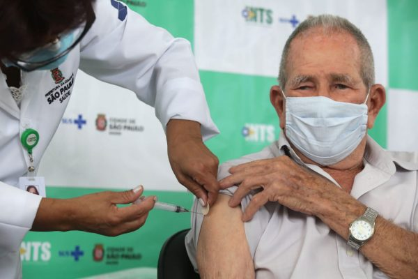 vacinação de idosos acima de 90 anos em SP6