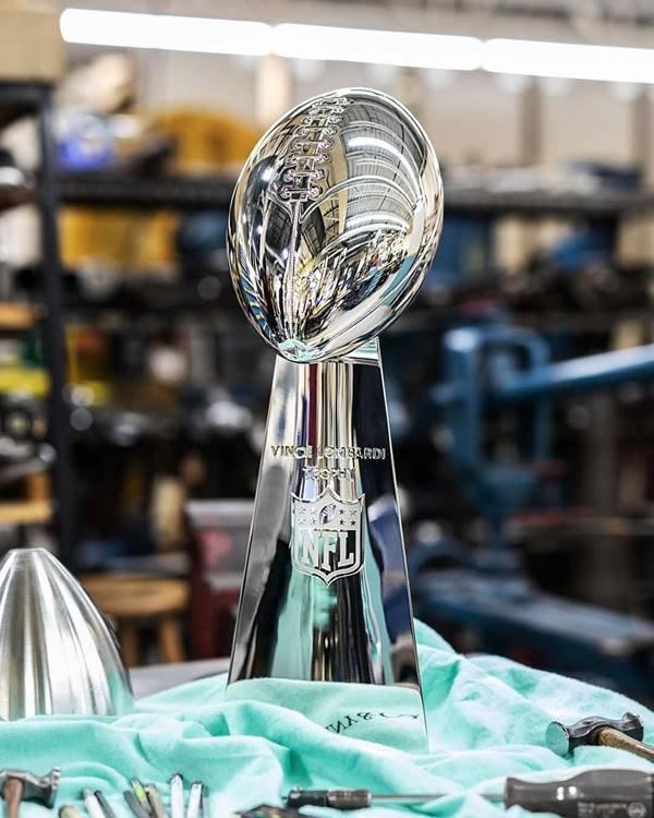 Tiffany cria troféus para o Super Bowl