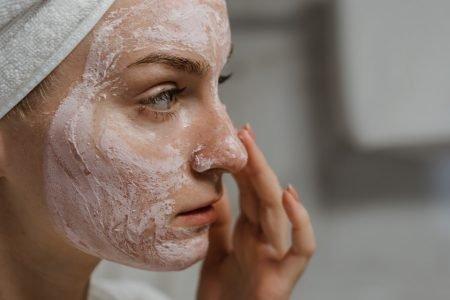acne mulher skincare