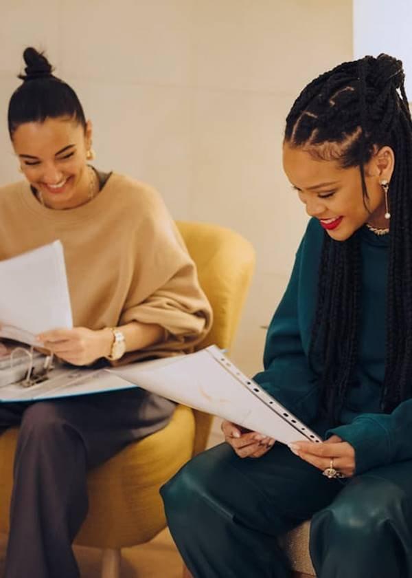 Amina Muaddi e Rihanna