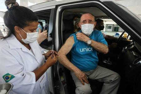 Renato Aragao vacina