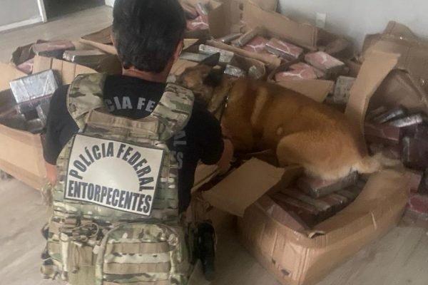 Cocaína apreendida em um galpão da zona norte do Rio de Janeiro