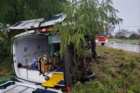 Ambulância envolvida em acidente na br-020