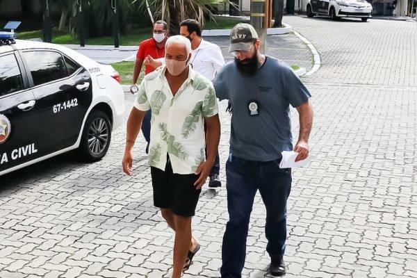 Cantor Belo chega na Cidade da Polícia, no Jacarezinho. zona norte do Rio