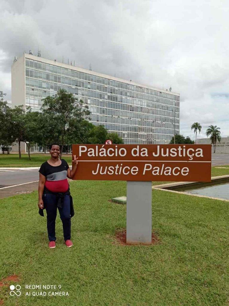 Madalena Gordiano em Brasilia 02 - Palácio da Justiça
