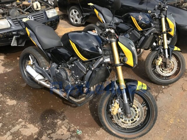 Moto Honda Hornett leilão 02/2021 Detran-DF