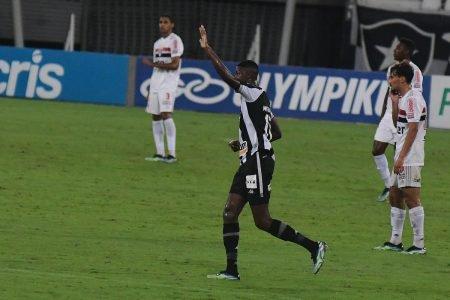 Botafogo vence o São Paulo