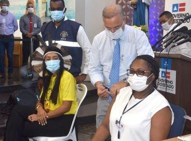 Primeira pessoa vacinada contra Covid-19 na Bahia