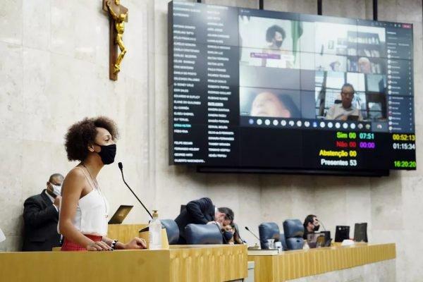 A vereadora Erika Hilton, autora do requerimento que criou a CPI que vai investigar crimes contra pessoas transexuais em São Paulo, capital.