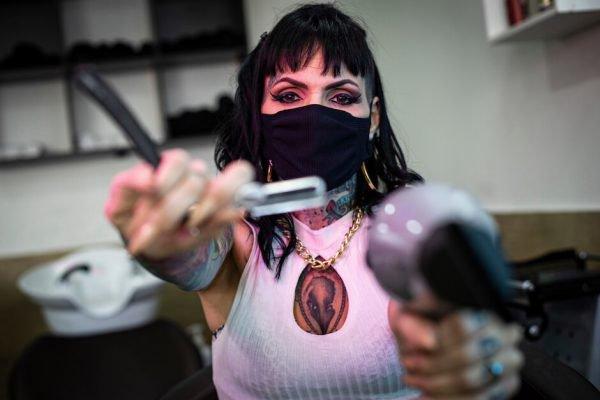 Luana de Freitas, a Lua Barber Girl