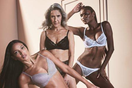 Mulheres usando lingeries