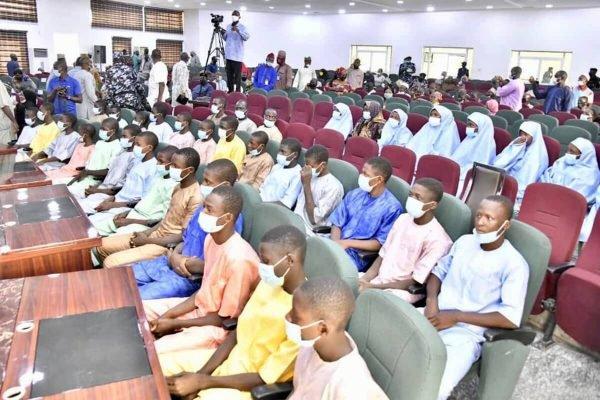 Estudantes resgatados em Níger Nigéria (1)