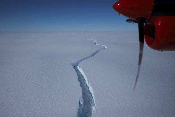 Iceberg se desprende na Antártida