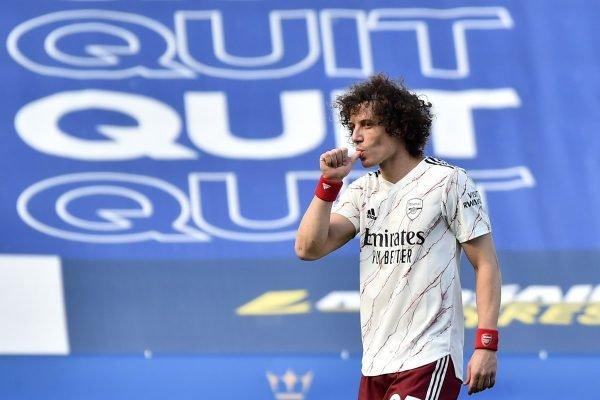 David Luiz comemora gol pelo Arsenal