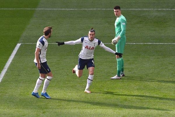 Gareth Bale comemora gol pelo Tottenham