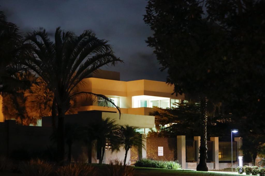 Condomínio Ouro Branco nova mansão do senador Flávio Bolsonaro avaliada em quase R$ 6 milhões.