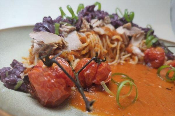 espaguete de atum