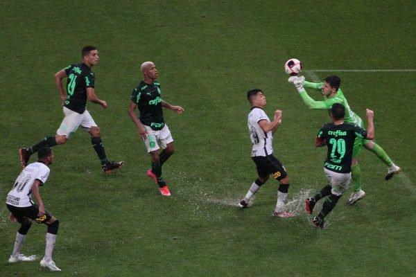 Corinthians e Palmeiras empatam