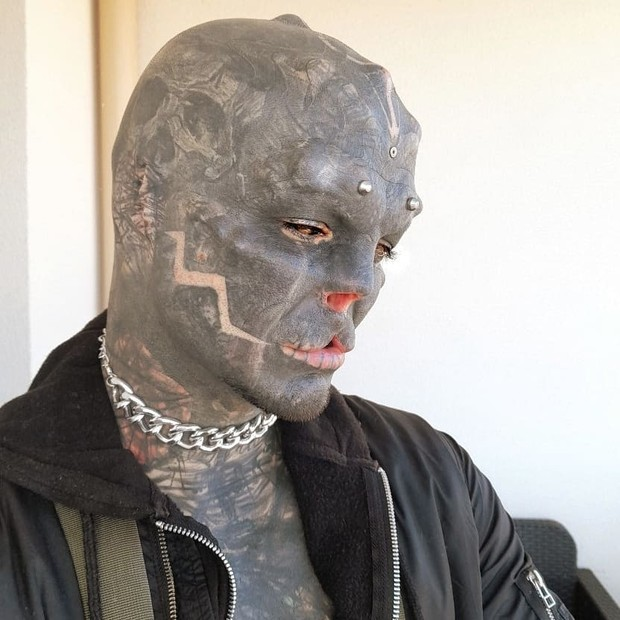 Anthony Loffredo, que se convierte en un extraterrestre
