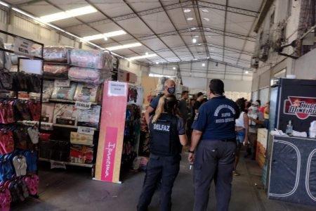 Polícia Civil investiga empresas por fornecimento de cestas básicas a milicianos no Rio
