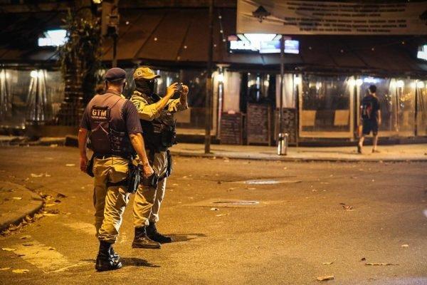 Bares são fechados no Rio de Janeiro