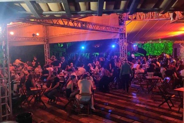 Festa com 600 pessoas em Contagem é interrompida por fiscalização