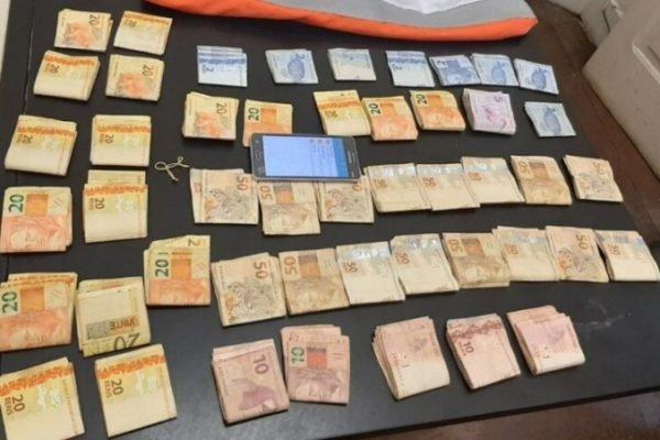 Motoboy do tráfico é detido em Niterói