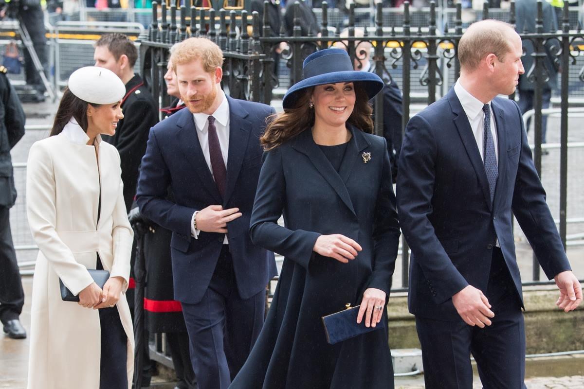 Meghan Markle, príncipe Harry, Kate Middleton e príncipe William