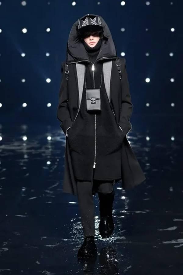 Look da coleção de outono/inverno 2021 prêt-à-porter da Givenchy
