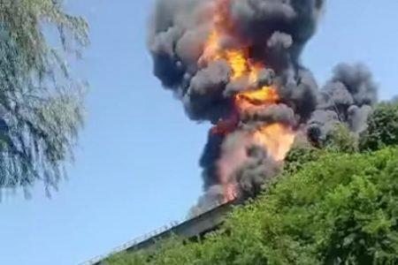 Explosão de caminhão
