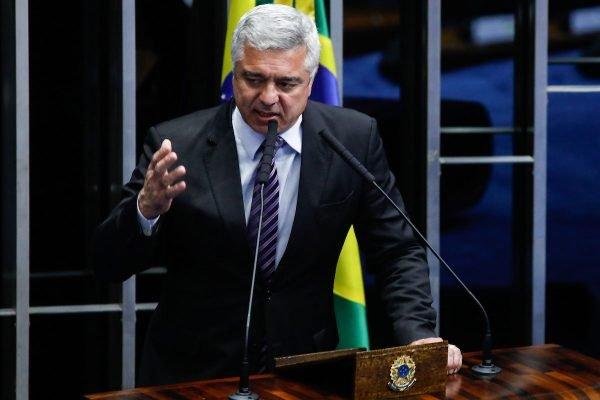 major olimpio morte covid senador politico