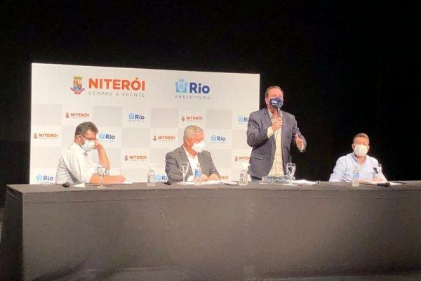 Anúncio de novas restrições por prefeitos do Rio e Niterói