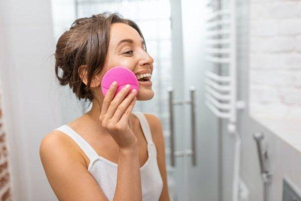 Escova de limpeza de pele elétrica