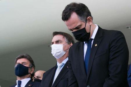 Pacheco ao lado de Jair Bolsonaro