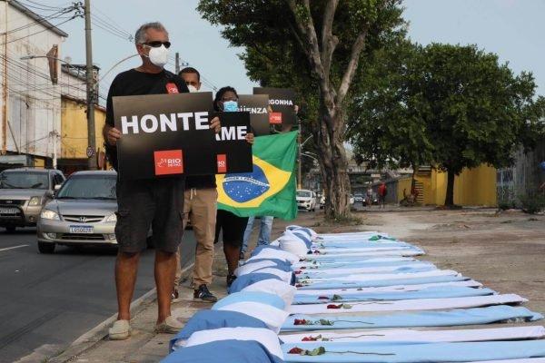 ONG Rio de Paz protesta contra 300 mil mortes por Covid-19 no país