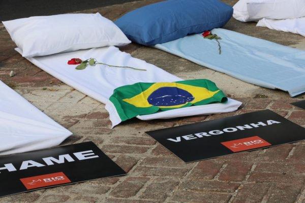 ONG Rio de Paz promove protesto contra 300 mil mortes por Covid-19