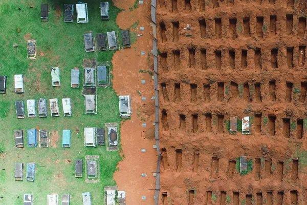 cemiterio covas mortos covid brasilia